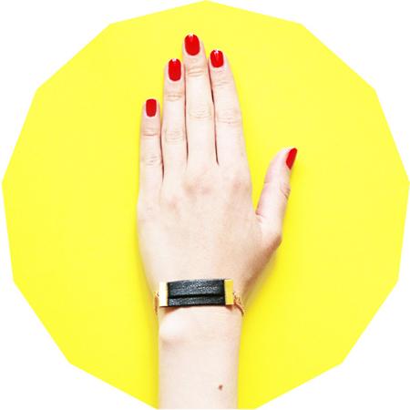 bracelet doree et cuir