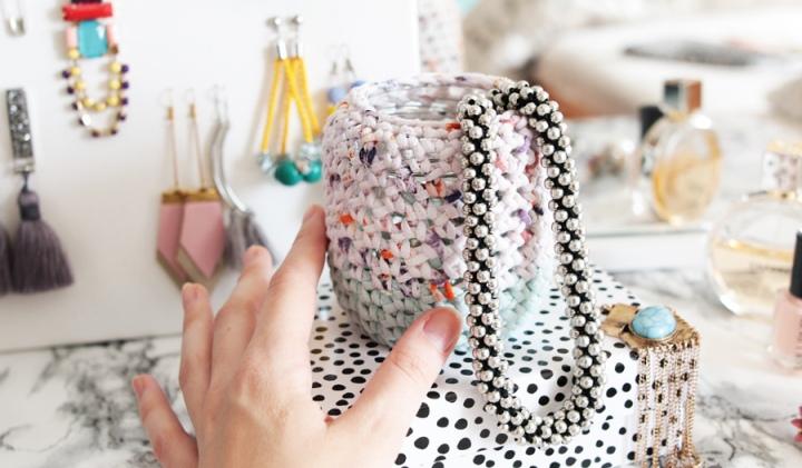 DIY déco : Un joli pot habillé encrochet