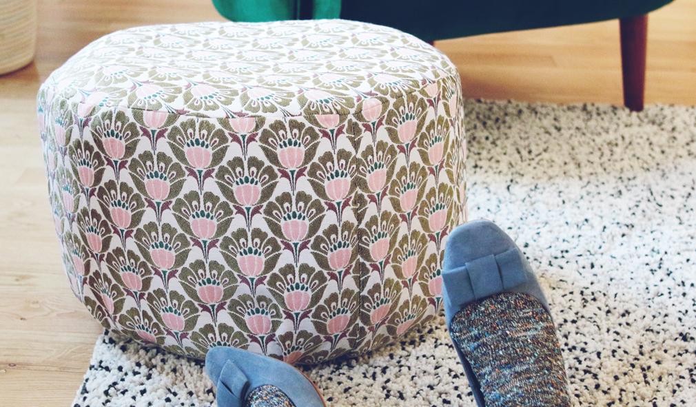 diy d co r aliser une jolie housse pour mon pouf. Black Bedroom Furniture Sets. Home Design Ideas