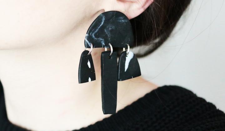 DIY Bijoux : des boucles d'oreilles mobile design enFimo