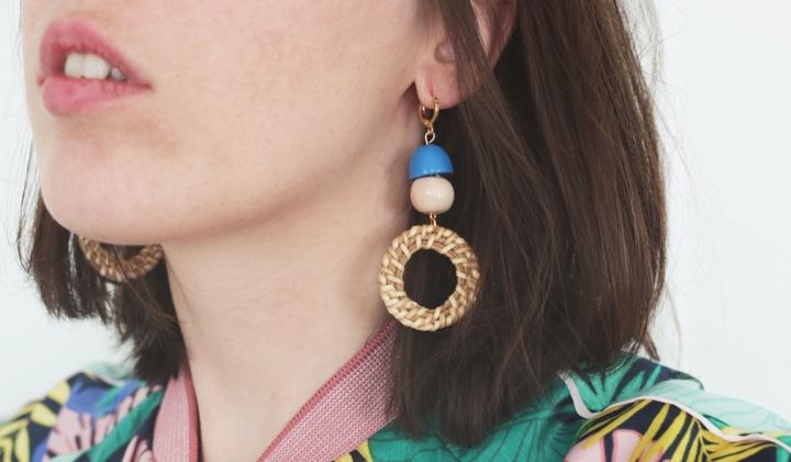 DIY mode : des boucles d'oreilles enrotin